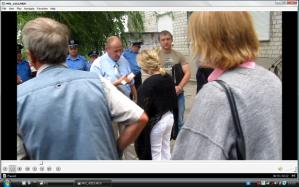 Парфілов Олексій Львович, в с. Софіївська Борщагівка, для того щоб знести палаттки мітингуючих, які зібралися біля сільської ради в звязку з рейдерським захватом.