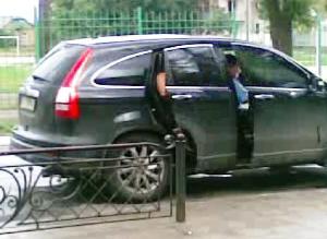 Кудрик вивозить бюлетні 30.05.2012 року 11