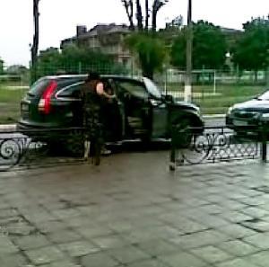 Кудрик вивозить бюлетні 30.05.2012 року 8