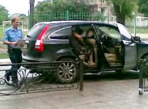 Кудрик вивозить бюлетні 30.05.2012 року 9