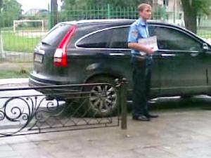 Кудрик вивозить бюлетні 30.05.2012 року7